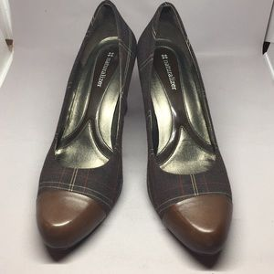 Naturalizer brown plaid shoes with leather accent
